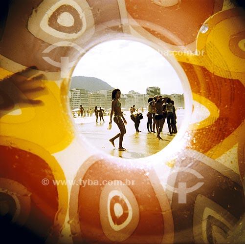 Assunto: Praia de Copacabana, ensaio fotografico feito com a maquina Holga entre 2005 e 2007 / Local: Rio de Janeiro (RJ)/ Data: 01 de Janeiro de 2005