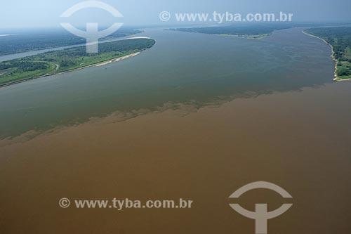 Assunto: Encontro dos rios Madeira e Amazonas, na margem direita do rio Amazonas / Local: Amazonas (AM)/ Data: 29 de Outubro de 2007