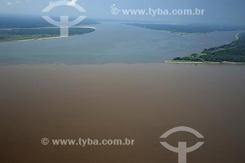 Assunto: Encontro dos rios Madeira e Amazonas, na margem direita do rio Amazonas, entre Manaus e Itacoatiara / Local: Amazonas (AM) / Data: 29 de Outubro de 2007
