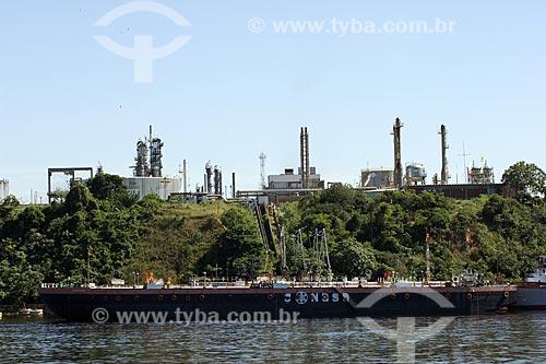 Assunto: Porto flutuante da refinaria da Petrobras, a REMAN (Refinaria de Manaus), na margem esquerda do Rio Negro / Local: Manaus - Amazonas - Brasil / Data: Junho de 2007