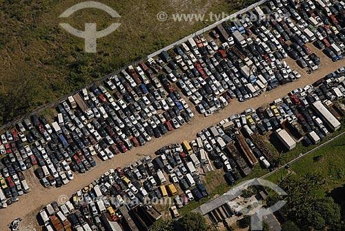 Assunto: Ferro-velho de Automóveis / Local: Rio de Janeiro - RJ - Brasil / Data: 05/08/2006