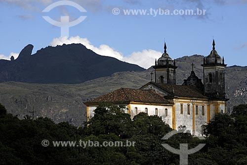 Assunto: Igreja São Francisco de Paula com Pico do Itacolomi ao fundo / Local: Ouro Preto - Minas Gerais (MG) - Brasil / Data: 19/04/2009