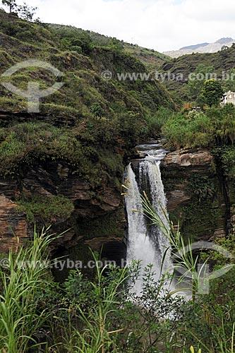 Assunto: Cachoeira do Funil vista durante trajeto de trem entre Ouro Preto e Mariana / Local: Ouro Preto - Minas Gerais (MG) - Brasil / Data: 19/04/2009