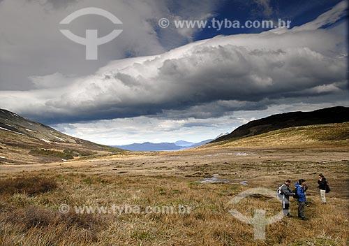 Assunto: Trilha para o Cerro Guanaco. Parque Nacional Terra do Fogo. Região de tundra / Local: Ushuaia - Argentina / Data: 11 / 2008