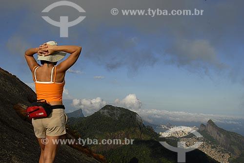 Assunto: Trekking no cume da Pedra Bonita. Zona sul, Morro Dois Irmãos e Corcovado ao fundo / Local: São Conrado - Rio de Janeiro - RJ - Brasil / Data: 03 / 2009