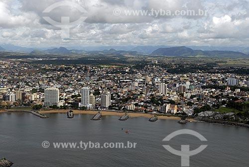Assunto: Vista aérea da cidade de Macaé no norte fluminense. Moles na praia de Imbetiba / Local: Macaé - RJ - Brasil / Data: 04 / 2009