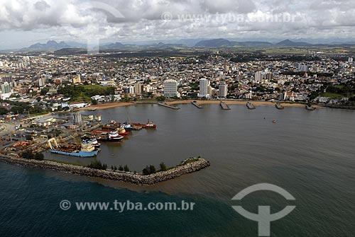 Assunto: Vista aérea da cidade de Macaé no norte fluminense. Instalações da Petrobras - E&P_UNBC (Exploração e petróleo, Unidade de Negócios da bacia de campos) na Praia de Imbetiba / Local: Macaé - RJ - Brasil / Data: 04 / 2009