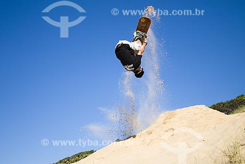Assunto: Sandboard nas dunas da Praia Grande / Local: São Francisco do Sul - Santa Catarina (SC) - Brasil / Data: 19/04/2009