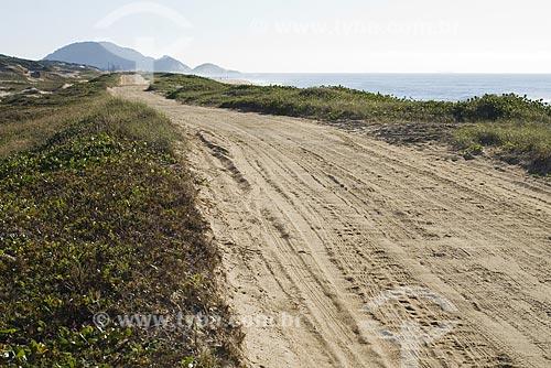Assunto: Estrada de terra na Praia Grande / Local: São Francisco do Sul - Santa Catarina (SC) - Brasil / Data: 19/04/2009