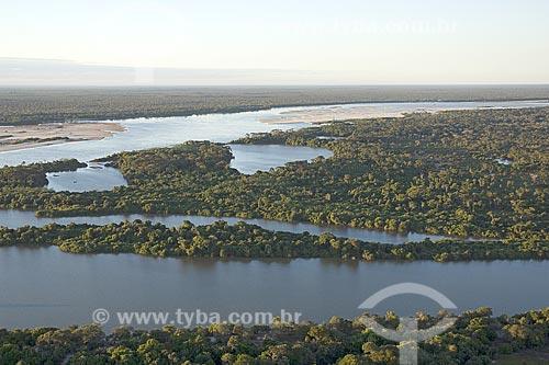 Assunto: Vista aérea do rio Araguaia, na época seca em que aparecem as praias, na região do Cerrado / Local: Divisa de Mato Grosso (MT) e Tocantins (TO) - Brasil / Data: Junho de 2006