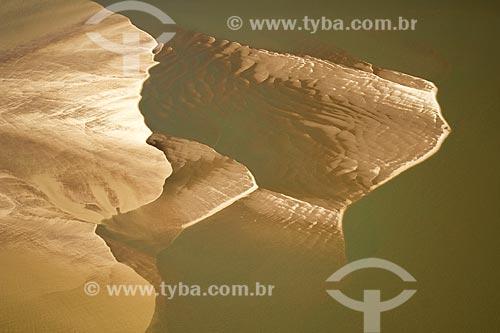 Assunto: Vista aérea do rio Araguaia, na época da seca, quando aparecem as praias, na região do Cerrado / Local: perto de São Félix do Araguaia - divisa de Mato Grosso e Tocantins - Brasil / Data: Junho de 2006