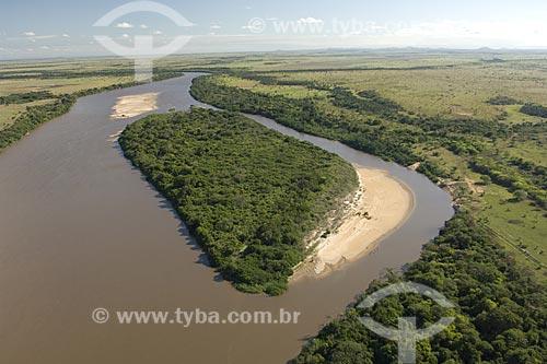 Assunto: Rio Tacutu, na época da seca (janeiro), logo antes dele se encontrar com o rio Uraricoera para formar o rio Branco, ao norte de Boa Vista / Local: Roraima (RR) - Brasil / Data: Janeiro de 2006