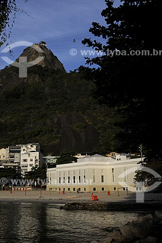 Assunto: Antigo Cassino da Urca e TV Tupi - Atual IED (Instituto Europeu de Design) com Pão de Açúcar ao fundoLocal: Praia da Urca - Urca - Rio de Janeiro - RJData: Julho de 2009