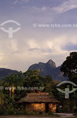 Assunto: Aldeia São Jorge, com a Bela Adormecida ( Serra de Curicuriari ) ao fundo / Local: São Gabriel da Cachoeira - Amazonas (AM) - Brazil / Data: Março de 2009