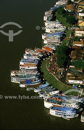 Assunto: Porto lotado durante o Festival Folclórico de Parintins, um dos maiores do festivais folclóricos do Brasil / Local: Parintins - Amazonas (AM) - Brasil / Data: Julho de 2005