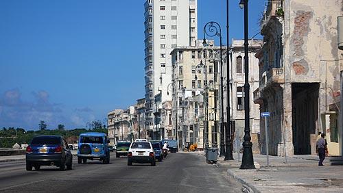 Assunto:  Carros no Malecón / Local: Havana - Cuba / Data: outubro 2009