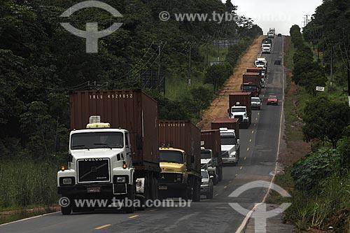 Assunto: Caminhoes com containers na rodovia P 125 / Local: Paragominas - Pará - Brasil / Data: 31-03-2009