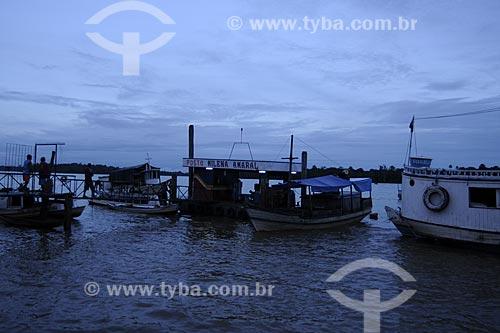 Assunto: Barcos na Feira de Abaetetuba, Rio Maratauira  / Local: Abaetetuba - Pará - Brasil / Data: 04-04-2009