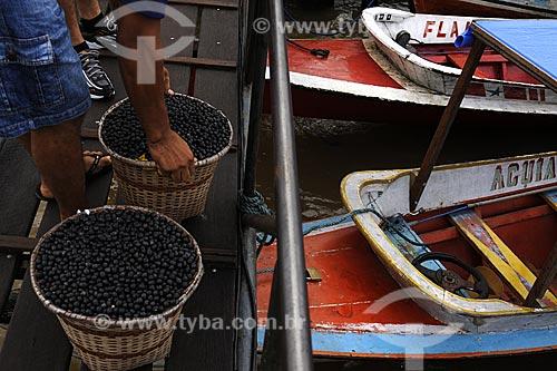 Assunto: Barcos comercializando acai na Feira de Abaetetuba / Local: Abaetetuba - Para - Brasil / Data: 04-04-2009