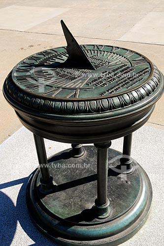 Assunto: Relógio de sol / Local: Des Moines - Iowa - EUA / Data: Agosto de 2008