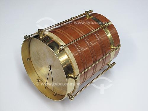 Assunto: Instrumento Musical - Cuíca / Data: Julho de 2009