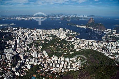 Assunto: Vista aérea da Zona Sul do Rio - Bairros das Laranjeiras, Flamengo e Botafogo com a Bahia de Guanabara e o Pão de Açúcar ao fundo / Local: Rio de Janeiro - RJ - Brasil / Data: Outubro de 2009