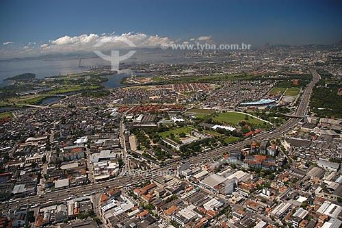 Assunto: Vista aérea da Avenida Brasil, na região de Manguinhos / Local: Manguinhos - Rio de Janeiro - RJ - Brasil / Data: Março de 2005