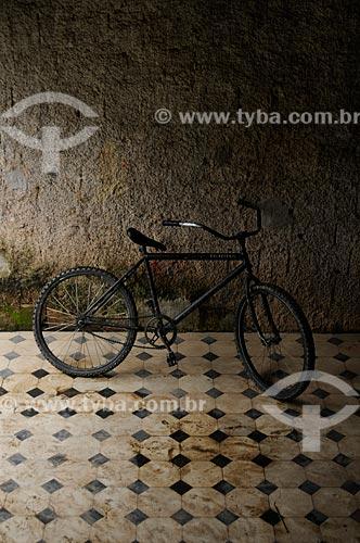 Assunto: Bicicleta no interior do pavilhão Egas Muniz - Colônia Juliano Moreira / Local:  Jacarepaguá - Rio de Janeiro - RJ  / Data: 27/07/2009