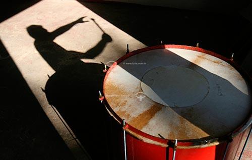 Assunto: Instrumento típico usado na festa do boi-bumbá  / Local:  Amazonas (AM) - Brasil  / Data: 16/03/2005
