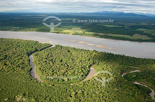 Assunto: Vista aérea do encontro dos Rios Mucajaí e Branco  / Local:  Perto de Boa Vista - Roraima - Brasil  / Data: Janeiro de 2009