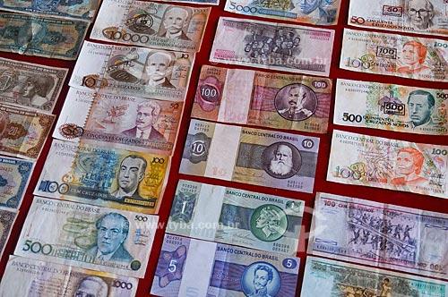 Assunto: Notas de dinheiro antigas