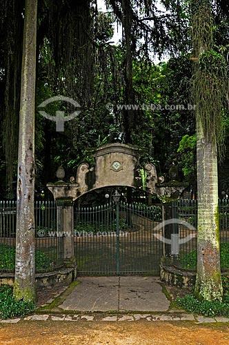 Parque Centenário recebeu o nome em 1922, em homenagem ao centenário da Independência do Brasil. Inicialmente projetado pelo botanico francês August François Marie Glaziou em 1874, foi reformado em 1991 pelo paisagista Roberto Burle Marx  - Barra Mansa - Rio de Janeiro - Brasil