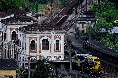 Assunto: Trem da MRS carregado de minério passando pela Estação Ferroviária de Engenheiro Paulo de Frontin, inaugurada em 12 de julho de 1863. (a) / Local: Engenheiro Paulo de Frontin - Vale do Paraíba - Rio de Janeiro - RJ / Data: 11-2009