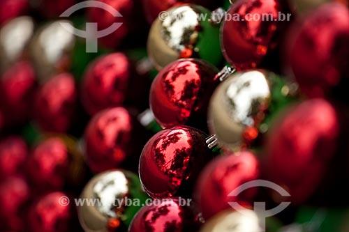 Assunto: Bolas de Natal vermelhas e prateadas / Local: Paraty - Costa Verde - Rio de Janeiro  / Data: Janeiro 2010