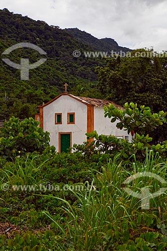 Assunto: Igreja Nossa Senhora da Conceição cercada por vegetação litorânea  / Local:  Parque Ecológico de Paraty-Mirim - Costa Verde - Mata Atlântica - Rio de Janeiro  / Data: Janeiro 2010