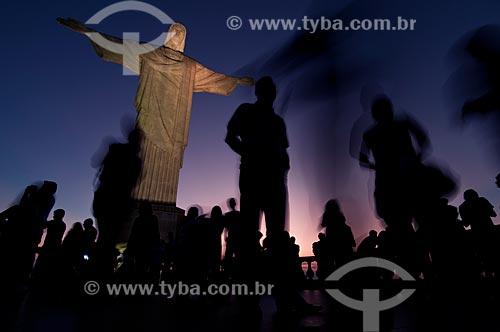 Assunto: Turistas visitando o Cristo Redentor / Local: Rio de Janeiro - Rio de Janeiro - Brasil / Data: 01/08/2009