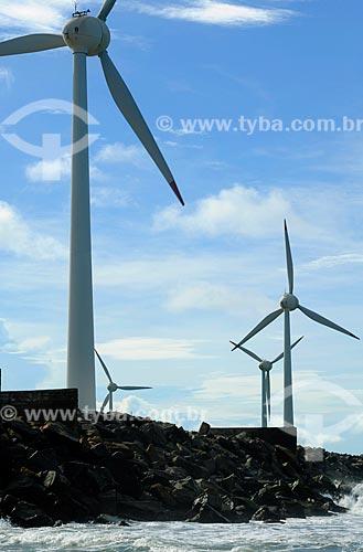Assunto: Moinhos de vento produzindo energia elétrica / Local: Fortaleza, Ceará, Mucuripe / Data: 04/2009