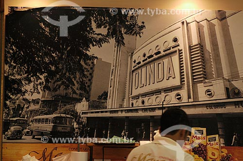 Assunto: Foto do cinema Olinda na praça  Saens Peña na Tijuca - Interior da Confeitaria Manon - Confeitaria tradicional do Centro do Rio de Janeiro  - Rua do Ouvidor 187  / Local:  Rio de Janeiro  / Data: Agosto 2009