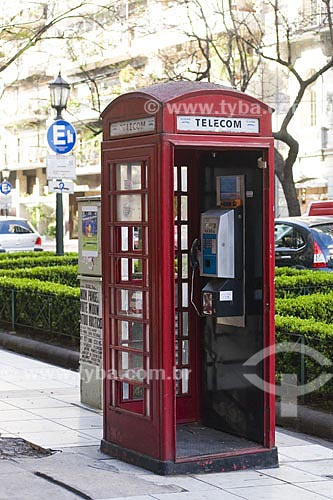 Assunto: Cabine de telefone no bairro da Recoleta  / Local:  Buenos Aires - Argentina  / Data: 09/10/2009