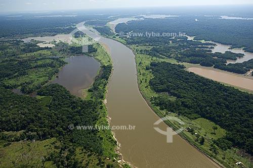 Assunto: Rio Madeirinha, que corre papalelo à margem esquerda do rio Madeira  / Local:  Amazonas (AM) - Brasil  / Data: 11/2007