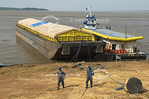 Assunto: Balsa da empresa Hermasa para o transporte de soja no rio Amazonas com destino aos portos de exportação  / Local:  Itacoatiara - Amazonas (AM) - Brasil  / Data: 11/2007