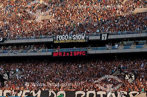Assunto: Torcedores no Engenhão ( Estádio Olímpico João Havelange ) durante o jogo Botafogo x São Paulo / Local: Engenho de Dentro - Rio de Janeiro - RJ - Brasil / Data: 22/11/2009
