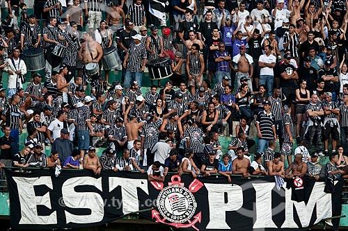 Assunto: Torcedores do Corinthinas no jogo Corinthinas x Flamengo pelo Campeonato Brasileiro de 2009 / Local: Estádio Brinco de Ouro da Princesa - Campinas - São Paulo /  Data: 29/11/2009