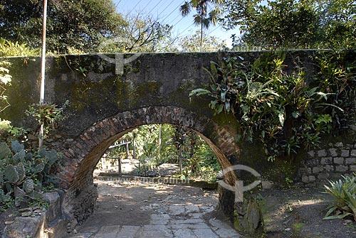 Assunto: Aqueduto de pedra e tijolos maciços, do século XIX, no bairro do Rio Comprido, zona norte do Rio de janeiro  / Local:  Rio de janeiro - RJ - Brasil  / Data: 07/2009