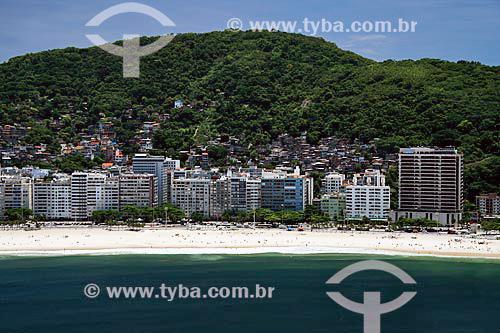 Assunto: Vista aérea do Leme com as favelas do Chapéu Mangueira e da Babilônia ao fundo / Local: Rio de Janeiro - RJ - Brasil / Data: 11/2009