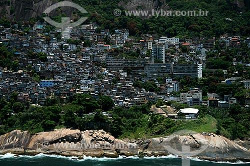 Assunto: Vista aérea da favela do Vidigal  / Local:  Rio de Janeiro - RJ - Brasil  / Data: 11/2009