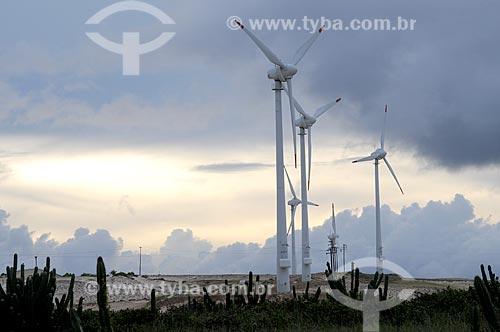 Assunto: Aerogeradores produzindo energia eólica em Porto das Dunas / Local: Ceará (CE) - Brasil / Data: 05/2009