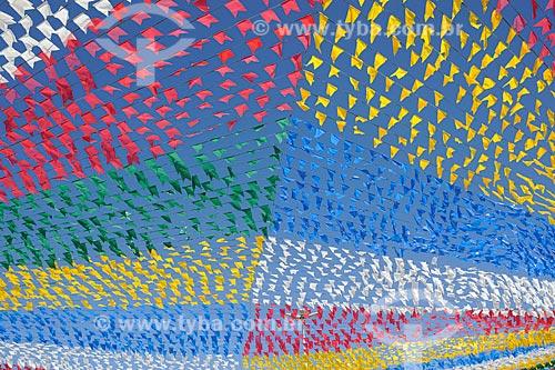 Assunto: Bandeirolas coloridas para Festa de São João / Local: Aracaju - Sergipe (SE) - Brazil / Data: junho 2009