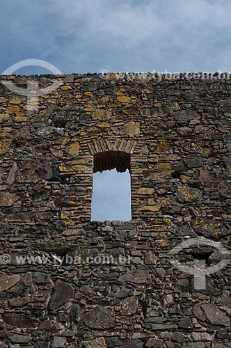 Assunto: Detalhe das ruínas do Convento de San Francisco. O convento foi construído em 1694 e destruído por um incêndio em 1704  / Local:  Bairro Histórico de Colônia do Sacramento - Uruguai - América Latina  / Data: 13/03/2010