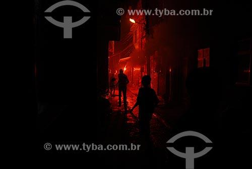 Assunto: Festa de fim de ano na favela Parque Maré  / Local:  Complexo da Maré - Rio de Janeiro - RJ - Brasil  / Data: 01/2009